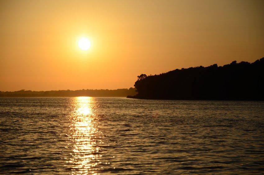 Tramonto sul Lago di Fogliano foto di tramonti sul lago Latina marina di Latina Parco Nazionale del Circeo